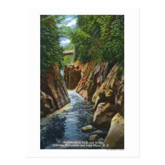 Carte Postale Vue des automnes et du pont de rivière d'Ausable