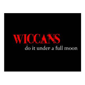Carte Postale Wiccans le font sous une pleine lune