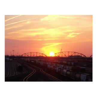 Carte Postale Yard de train au coucher du soleil