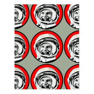 Carte Postale Yuri Gagarin - héros et cosmonaute soviétiques