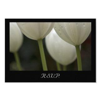 Carte Ressort blanc de tulipes de jardin épousant la