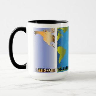 Carte retirée du monde de bibliothécaire tasses