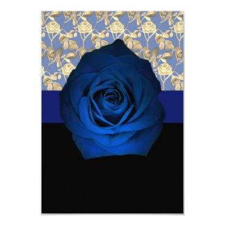 Carte Rose de bleu royal accentué avec la vigne rose