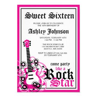 Carte Rose de fête d'anniversaire du bonbon 16 à guitare