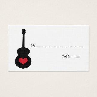 Carte rouge/noire d'endroit de coeur de guitare