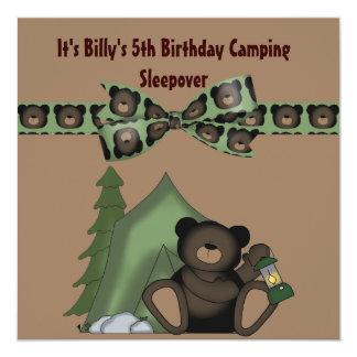 Carte Sleepover de camp d'anniversaire d'ours de