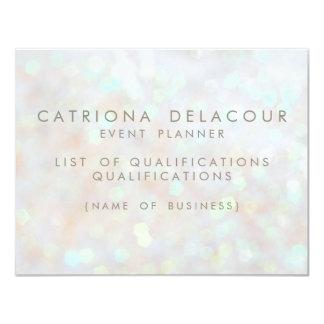Carte subtile blanche des employés d'affaires de invitations personnalisables