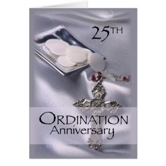 Cartes 25ème Hôte de croix d'anniversaire de