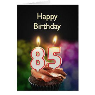 Cartes 85th Anniversaire avec le gâteau et les bougies