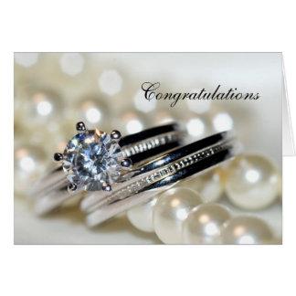 Cartes Anneaux et perles blanches épousant des