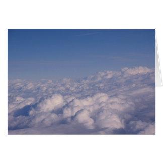 Cartes au-dessus des nuages