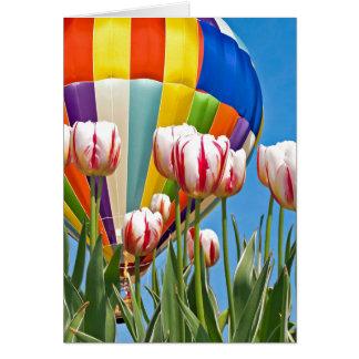 Cartes Ballon à air et tulipes chaud pour la pensée à