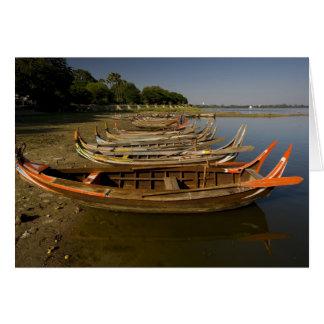 Cartes Bateaux sur le lac entre Kyauktawgyi Paya et