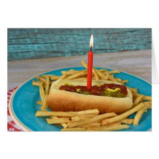 Cartes bougie d'anniversaire chez le hot-dog avec des