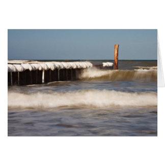 Cartes Brise-lames en hiver sur le rivage de la mer