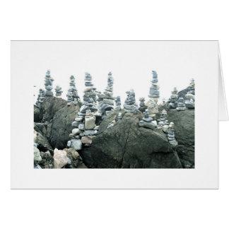 Cartes Cairns (petites sculptures en pierre)