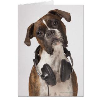Cartes chien de boxeur avec des écouteurs