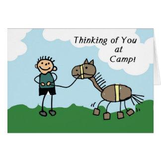 Cartes Chiffre camp de bâton de garçon de cheval pensant