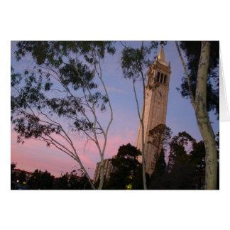 Cartes Coucher du soleil de campanile, illuminé au