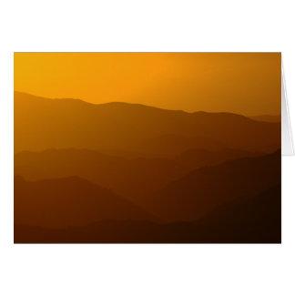 Cartes Coucher du soleil montagneux brumeux - série de
