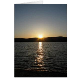 Cartes Coucher du soleil sur le lac Onota : Vertical