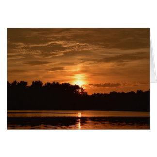 Cartes Coucher du soleil sur l'étang d'or