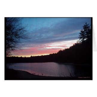 Cartes Croissant de lune au-dessus d'étang de Walden