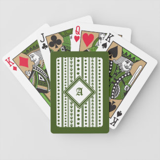Cartes de jeu avec le trèfle et le monogramme de cartes à jouer