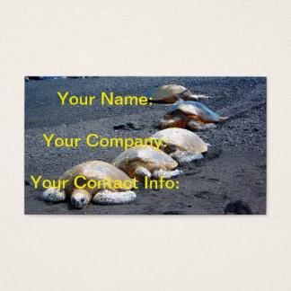 Cartes De Visite Cinq tortues paresseuses se situant dans le sable