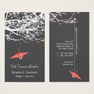 Cartes De Visite Le papier rouge japonais d'origami tend le cou