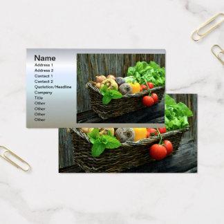 Cartes De Visite Récolte végétale de thanksgiving dans un panier