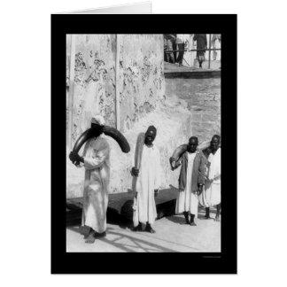 Cartes Défenses enes ivoire de transport au Kenya 1902