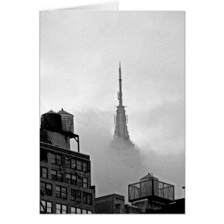 Cartes Empire State Building en nuages