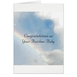 Cartes Félicitations de bébé d'arc-en-ciel