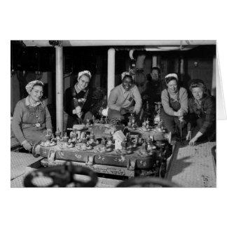 Cartes Femme Shipfitters travaillant au sous-marin