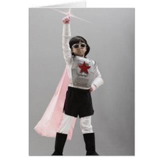 Cartes Fille coréenne dans le costume de super héros avec