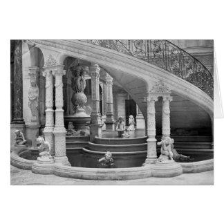 Cartes Fontaine sous les escaliers de l'hôtel De