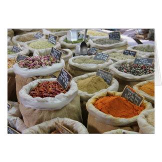 Cartes Herbes et épices à un marché français