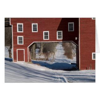 Cartes Hiver rouge de grange