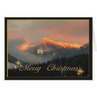 Cartes Hivernal rouge sur les montagnes