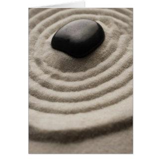 Cartes jardin de zen avec le détail de caillou sur le