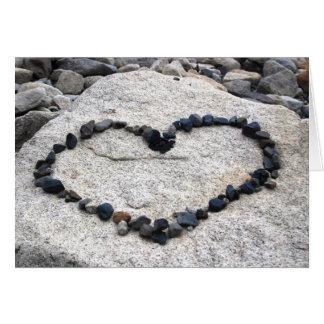 Cartes Je t'aime coeur sur des roches