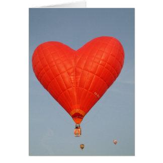 Cartes L'amour de ballon est dans le ciel