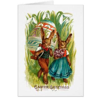 Cartes Lapins de Pâques dans le cru grand Pâques d'herbe