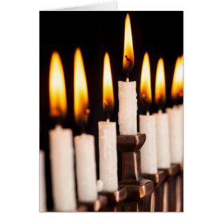 Cartes Le blanc brûlant de Hanoukka Menorah mire Chanukah