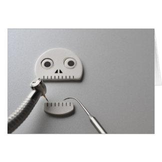 Cartes Le squelette que le traitement dentaire est pris