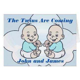 Cartes Les jumeaux de garçon sont prochain baby shower