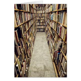 Cartes L'intérieur d'une librairie d'occasion Suède