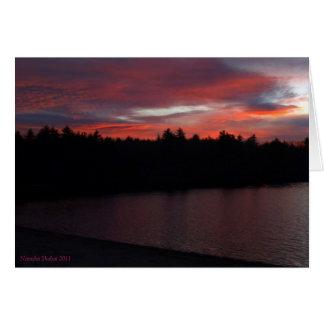 Cartes Nuages de rouge d'étang de Walden