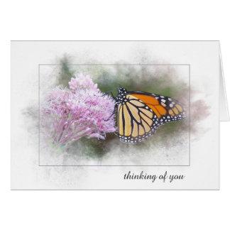 Cartes pensée à vous papillon de monarque sur le fleur